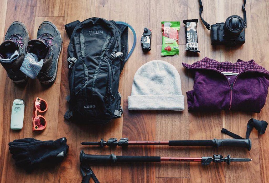 equipamiento para trekking y senderismo